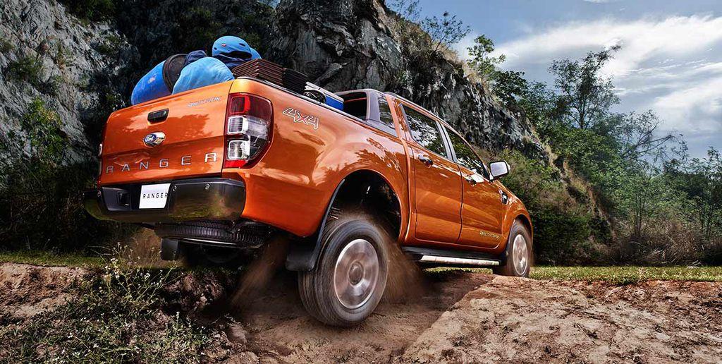 đuôi xe ford ranger wildtrack