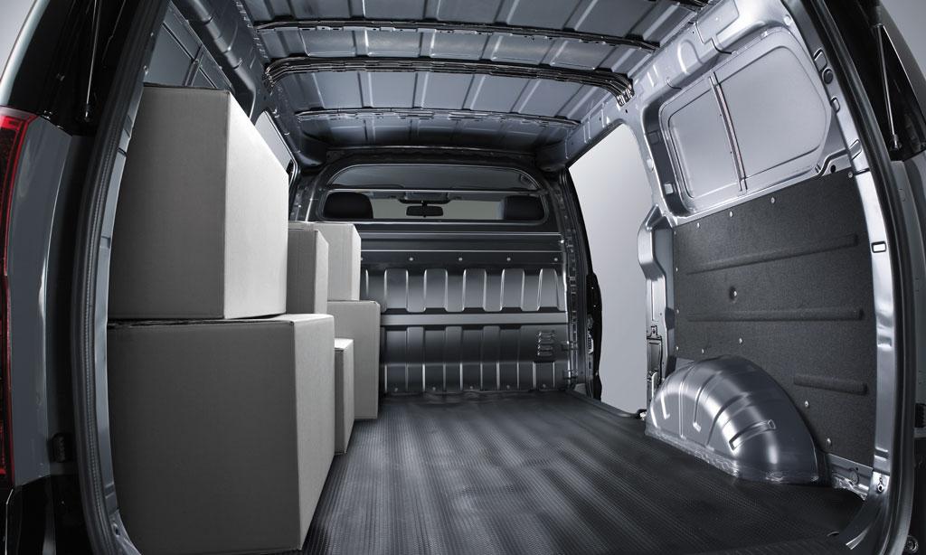 Hyundai Starex 3 chỗ ban tai