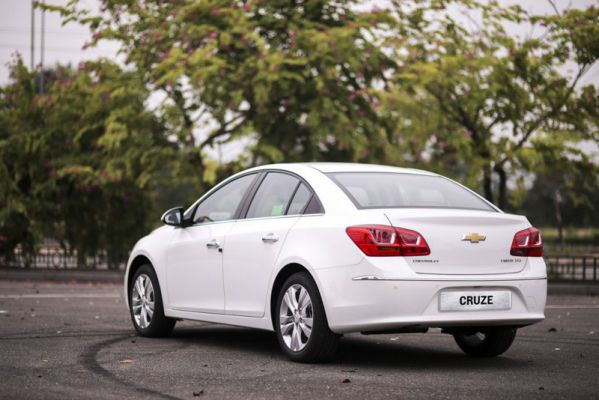 Chevrolet-Cruze-4-e1499597405819