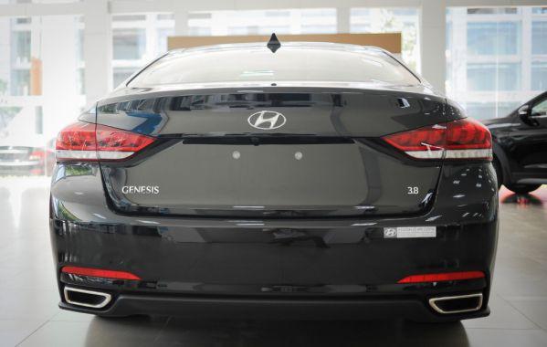 Hyundai-Genesis-13