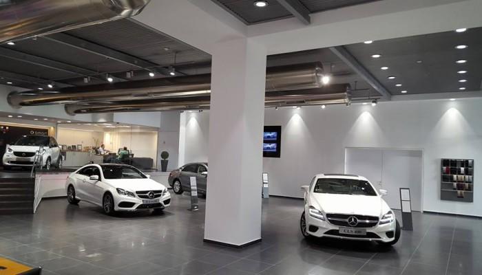 Mercedes-showroom-Haifa-Israel-I.2-700x400