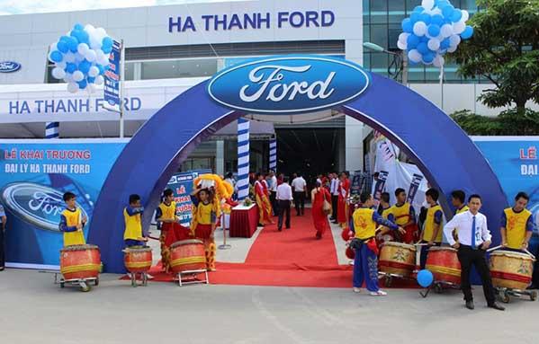 khai trương Ford Hà Thành