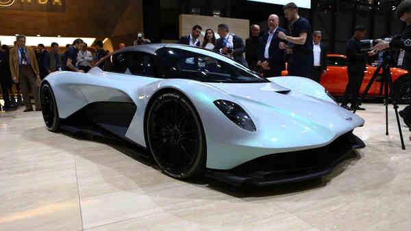 Sedan coupe điện Aston Martin RapidE