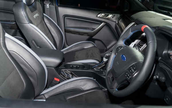 nội thất Ford Ranger Raptor