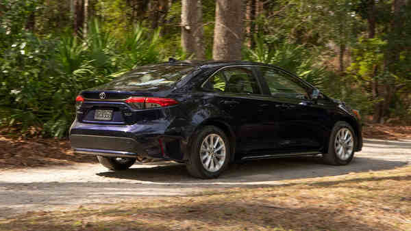 Toyota Corolla Sedan 2020 mới