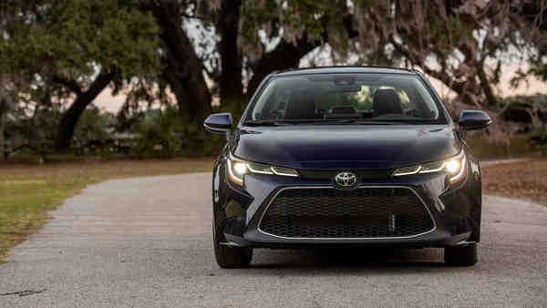 thông tin Toyota Corolla Sedan 2020