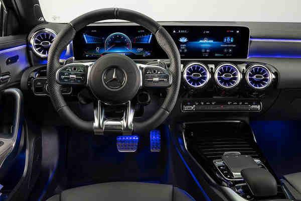 Mercedes-AMG A 35 L 4MATIC mới