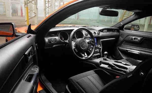khám phá Ford Mustang 2.3 EcoBoost 2020
