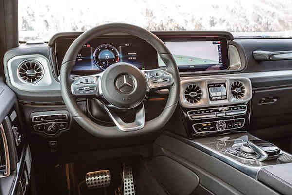 khoang lái Mercedes-Benz G 400d
