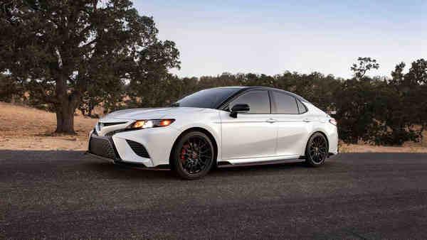 Siêu phẩm cá tính Toyota Camry
